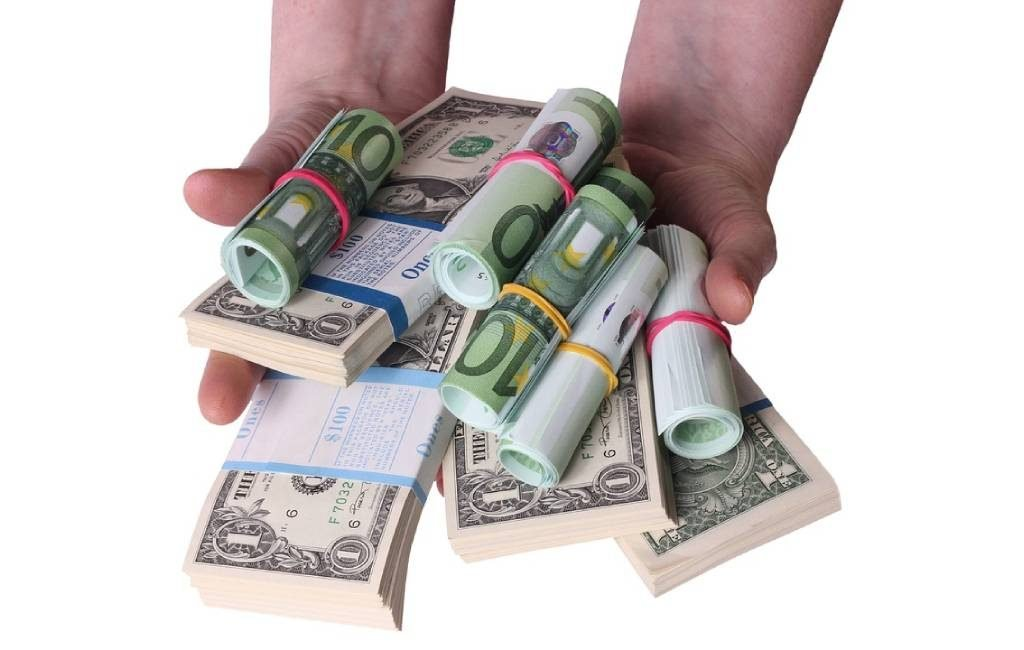 Bagaimana Cara Dapat Uang Banyak? Ini Enam Caranya - Ajaib