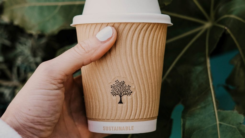 Tak hanya jadi aktivitas untuk menyelamatkan lingkungan, go green juga sudah digaungkan oleh para filantropis dunia. Kamu bisa jadi salah satunya!