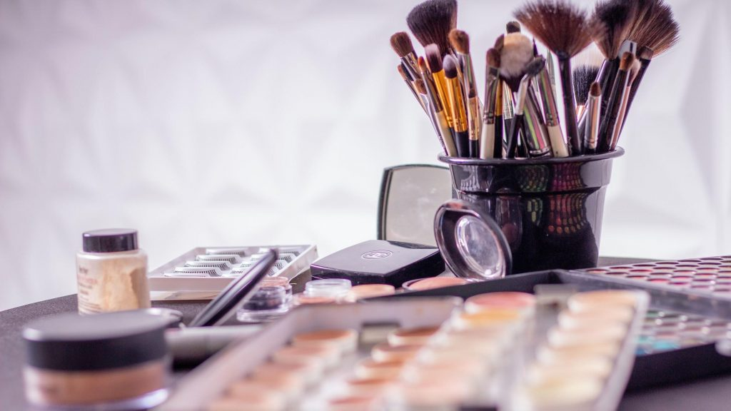 Rekomendasi 5 Produk Make Up Lokal Berkualitas Internasional