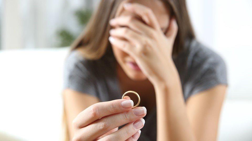 Biaya cerai menjadi salah satu hal yang perlu dipertimbangkan sebelum memutuskan cerai