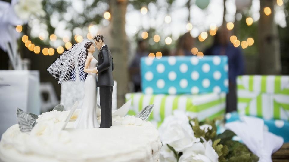 kado-untuk-pernikahan