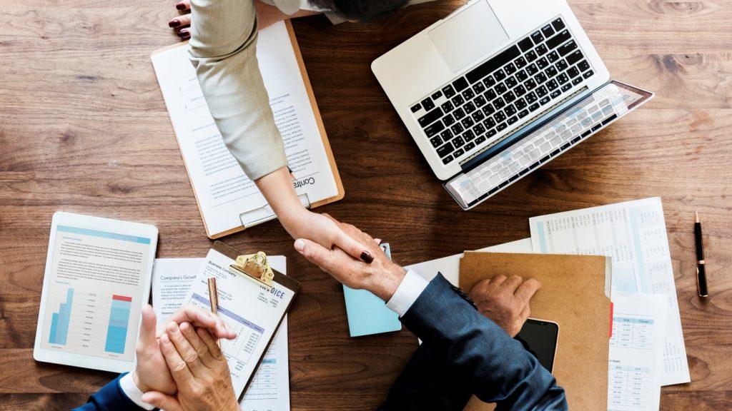 Perusahaan sekuritas merupakan partner bisnis bagi seorang investor. Penting bagi investor pemula mengetahui profil perusahaan sekuritas.