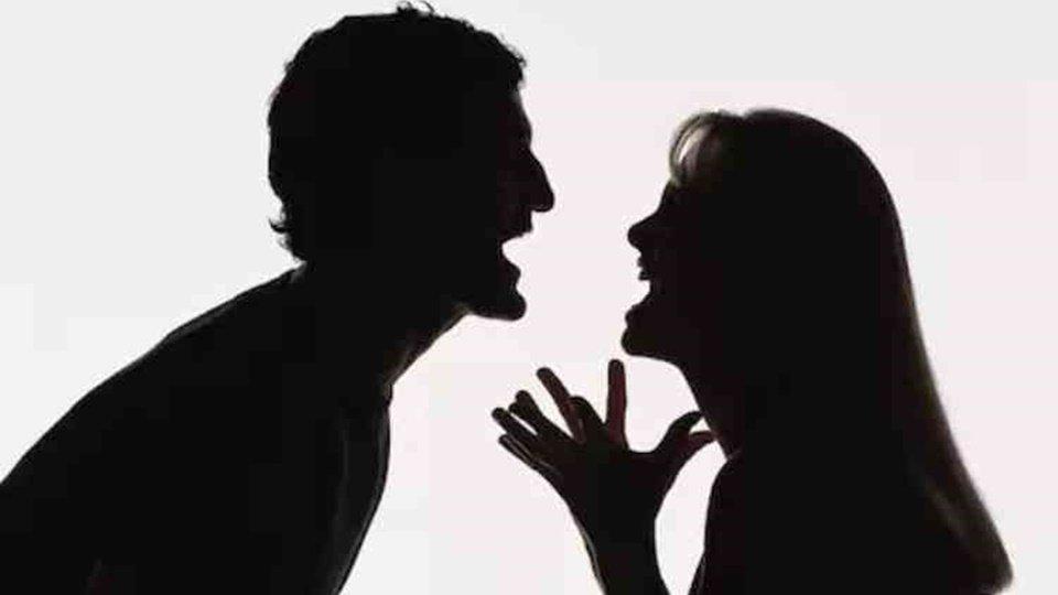 toxic relationship tidak hanya membuatmu tidak bahagia tapi juga tidak produktif, kenali gejalanya