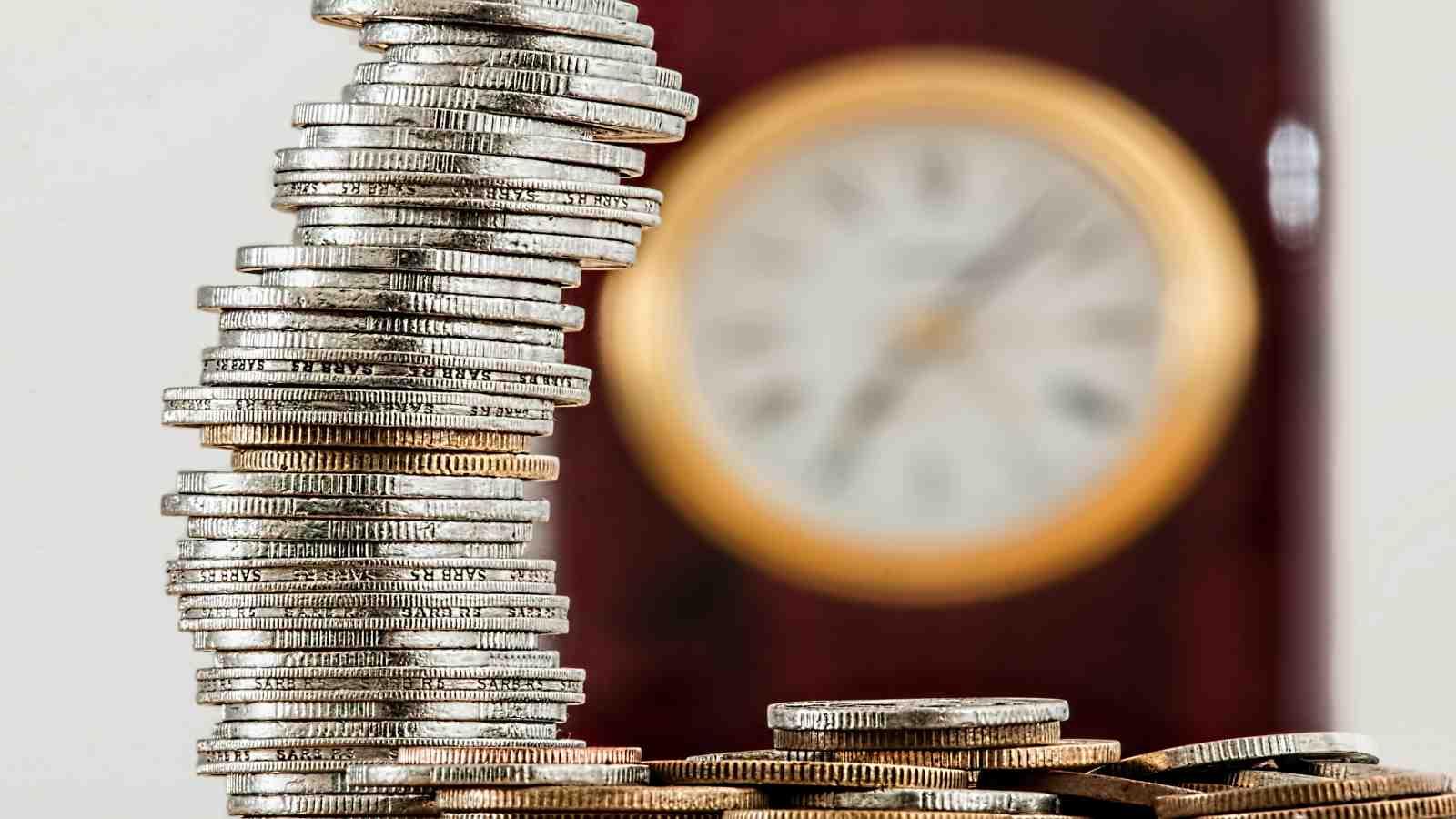 Ilustrasi waktu adalah uang