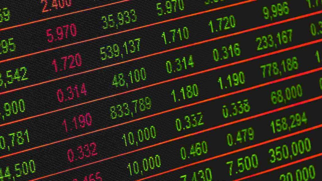 Ilustrasi nabung saham 100 ribu per bulan