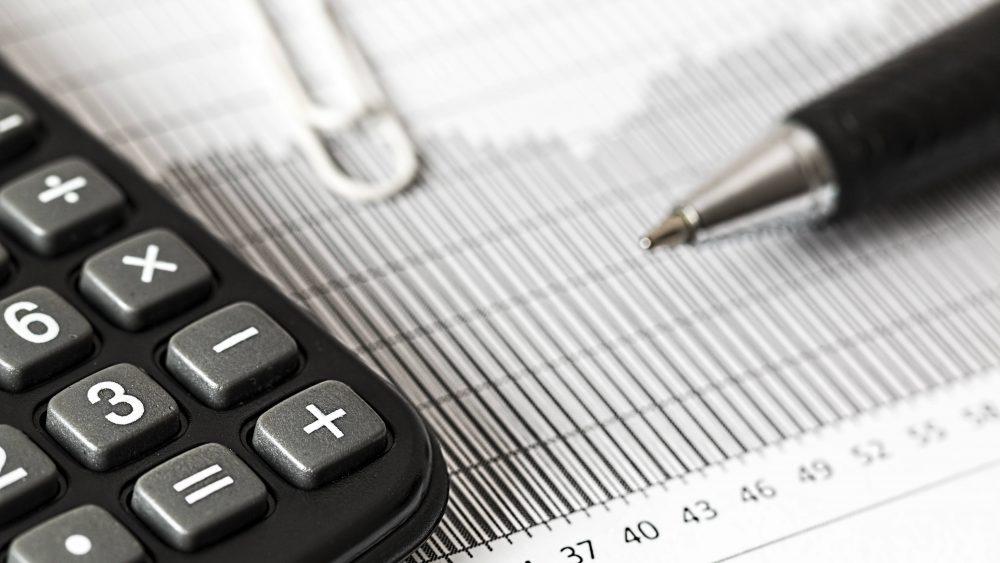 Ilustrasi pembangunan ekonomi melalui investasi obligasi.