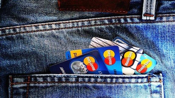 Menghitung bunga kartu kredit