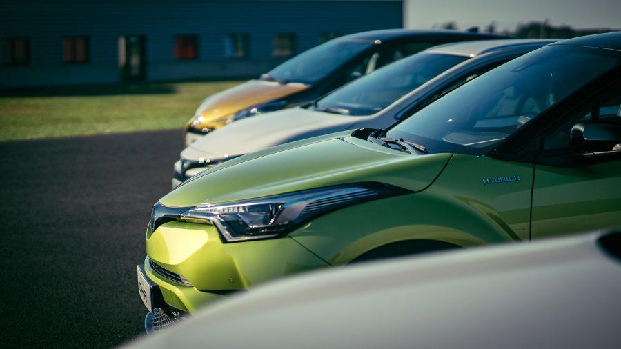 Ilustrasi mobil di bawah 100 juta.