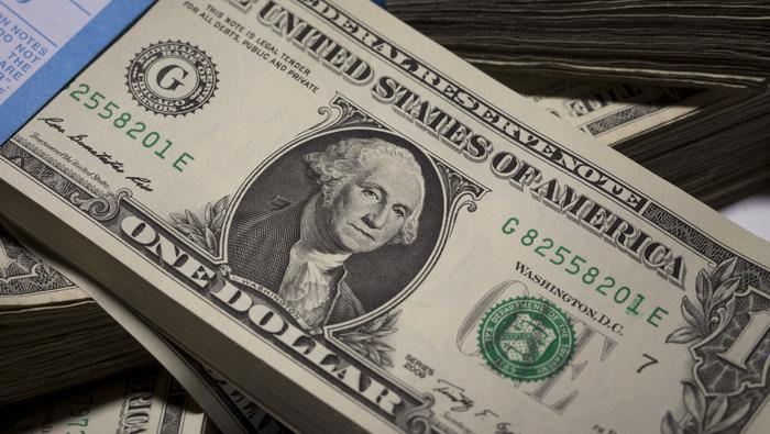 Uang dollar.