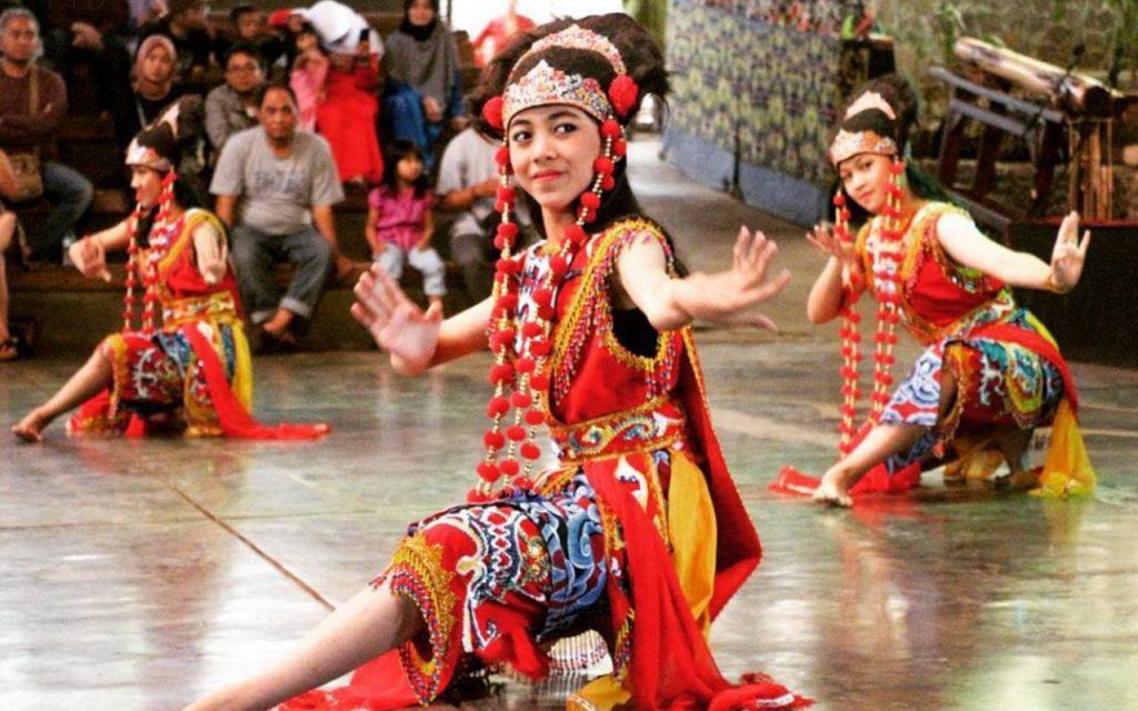 Contoh Keragaman Budaya Indonesia yang Begitu Kaya
