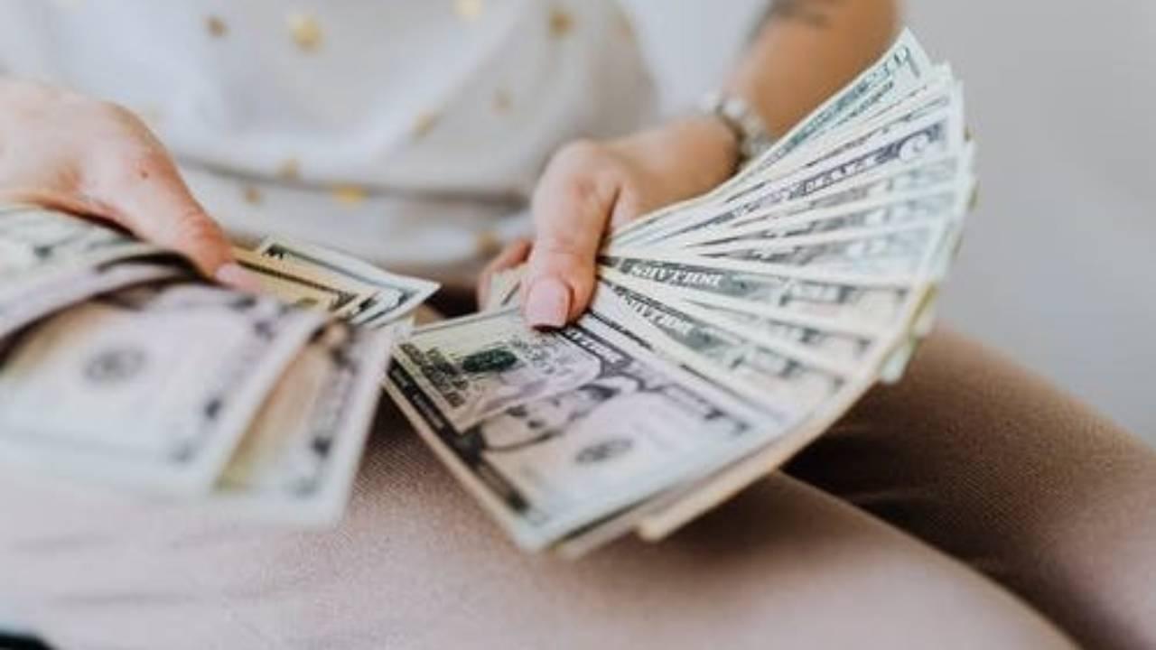 Mimpi Dapat Uang