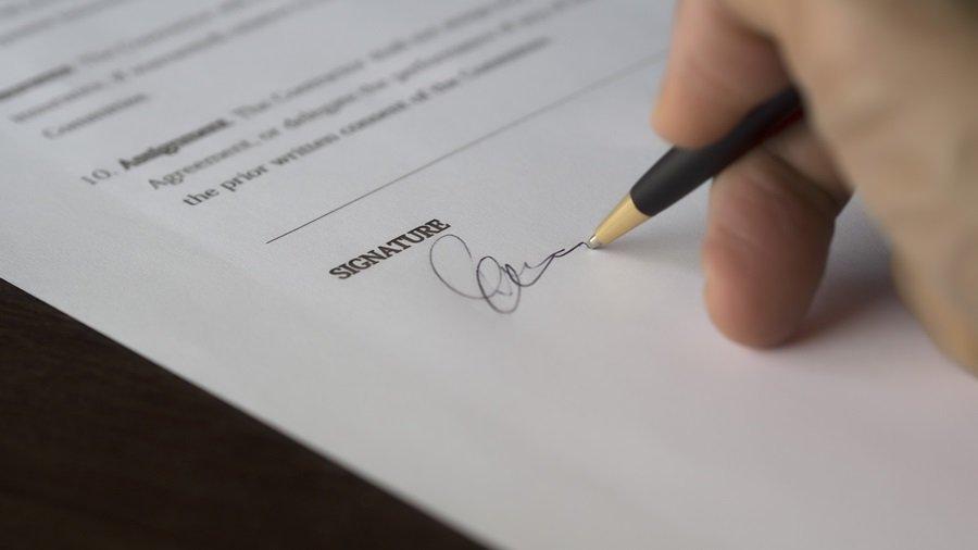 tanda tangan materai.