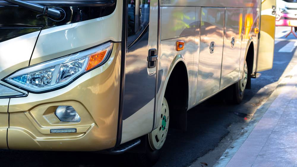 Mobil bis, salah satu bisnis emiten saham TAXI.