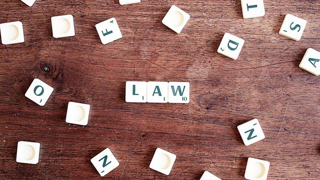 Ciri-Ciri Hukum & Manfaatnya untuk Bisnis