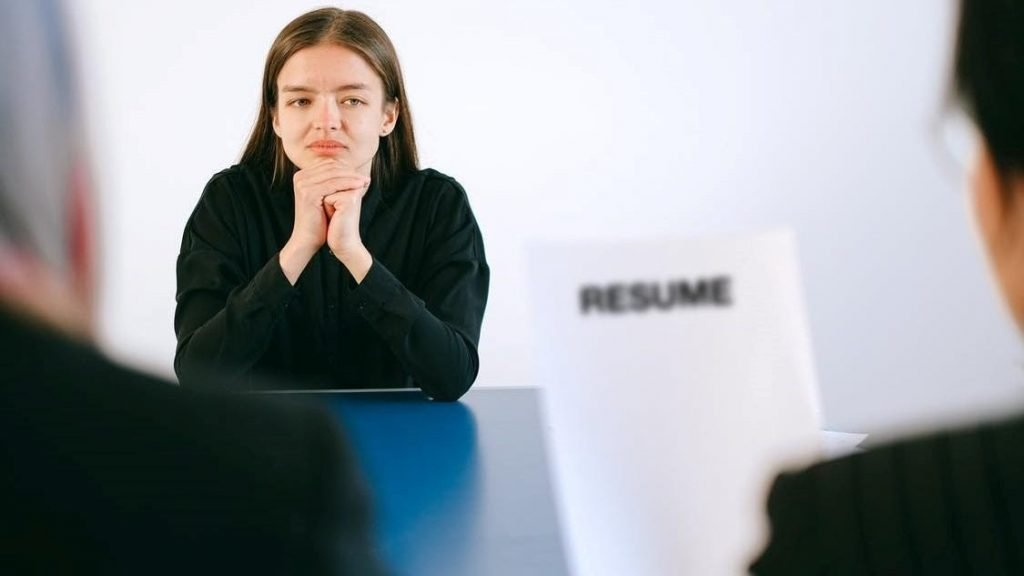 Tak Punya Pengalaman Kerja? Lakukan Hal Ini di CV Kamu